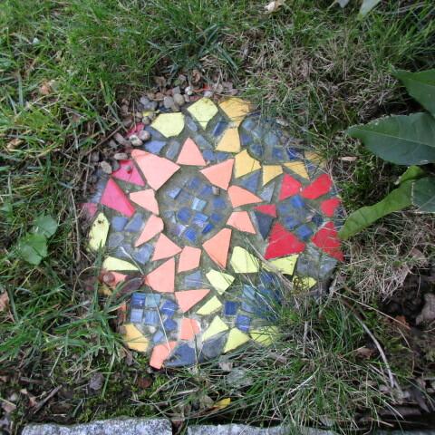 Niki de Saint Phalle: Trittsteinplatte
