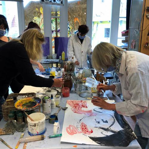 Fortbildung in der Phantasiewerkstatt: Experimentieren - Loslassen! Malen mit Pigmenten
