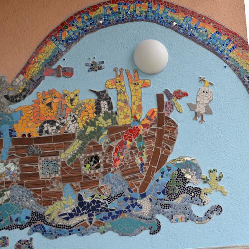 "Wandmosaik Kita ""Arche Noah"" in Döffingen"